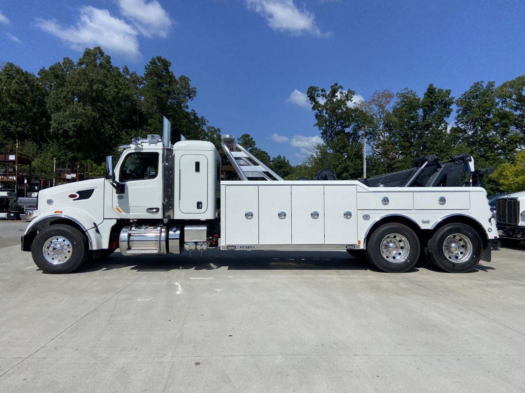 2021-Peterbilt-567-Driver-Side